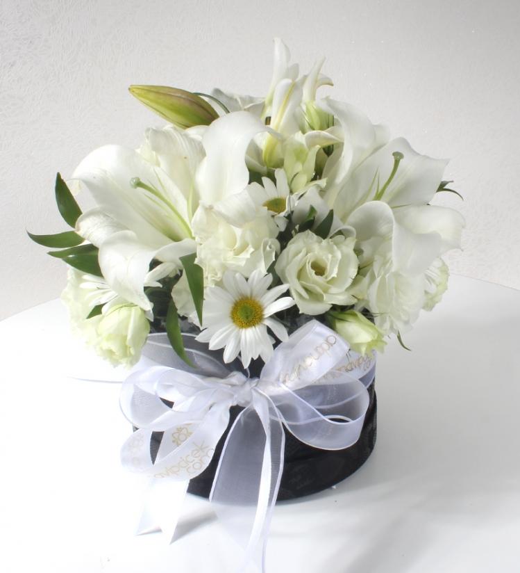 Silindir Kutuda Bahar Çiçekleri