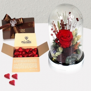 Cam Kürede Solmayan Kırmızı Gül & Kalpli Misdiba Çikolata