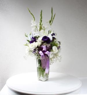 Cam Vazoda Mevsim Çiçekleri