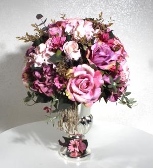 Antik Gümüş Vazoda Yapay Çiçek Aranjmanı