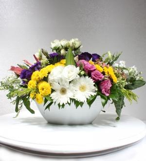 Bahar Çiçekleri Yayvan Masa Aranjmanı
